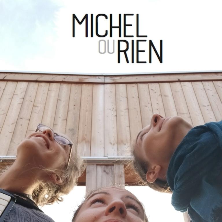 Trio vocal pétillant Michel ou rien.